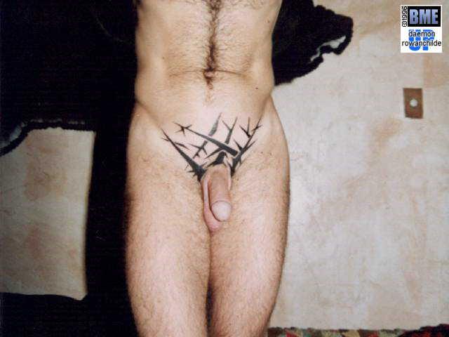 Татуировки находятся также в архивах ...: htc-tattoo.ru/tatu-na-kisti-ruki-hnoy.html
